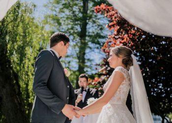 Hochzeitsredner Martin Fett hält die Hochzeitsrede auf der Hochzeit von Daniel und Kristina Davari_03