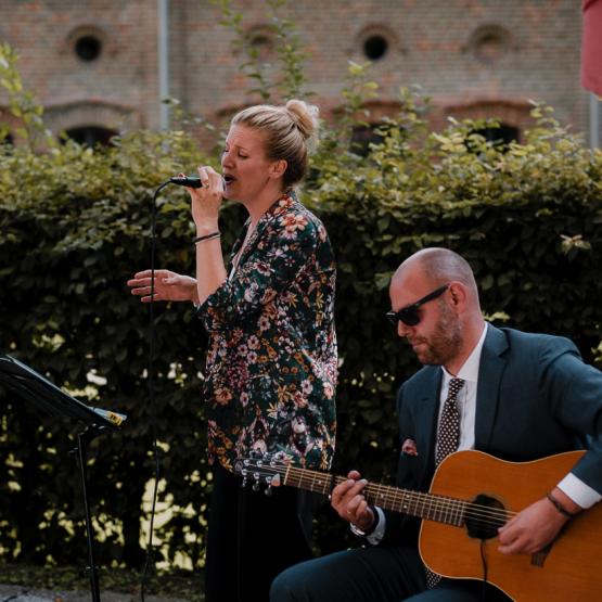 Freie Trauung Musik: Die besten Songs für Eure Freie Trauung mit Tina und Alex aus dem Team von martinredet