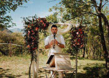 arianefotografiert Ariane Schulz Hochzeitsfotografin Köln martinredet Redner Hochzeit im Ausland Provence Frankreich Auslandstrauung Wie werde ich Trauredner Ausbildung Seminar Martin Fett 12