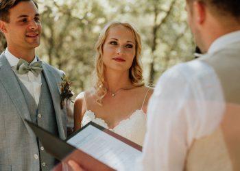 arianefotografiert Ariane Schulz Hochzeitsfotografin Köln martinredet Redner Hochzeit im Ausland Provence Frankreich Auslandstrauung Wie werde ich Trauredner Ausbildung Seminar Martin Fett 16