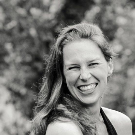Karoline ist Freie Rednerin Aachen im Trauredner Team von martinredet wie werde ich Hochzeitsredner Ausbildung Freier Redner NRW
