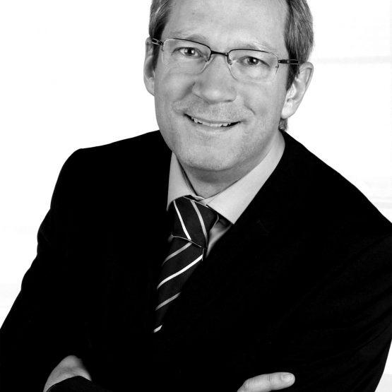 Als Trauredner Hannover ist Martin Köster im Team von martinredet und ist in Gütersloh und Umgebung Euer Hochzeitsredner