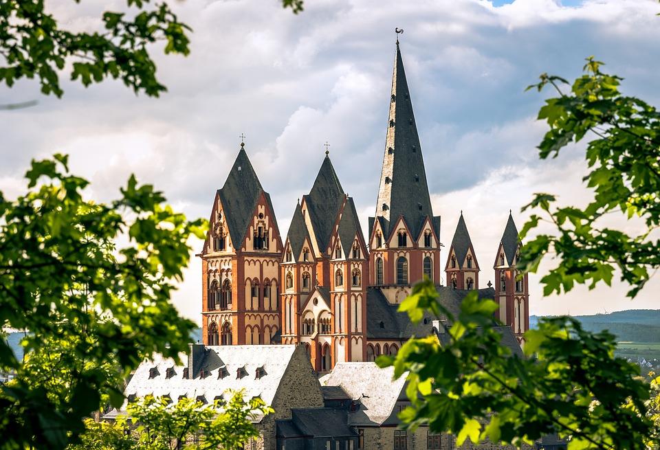Trauredner in Hessen Freie Trauung in Hessen Limburg Limburger Dom