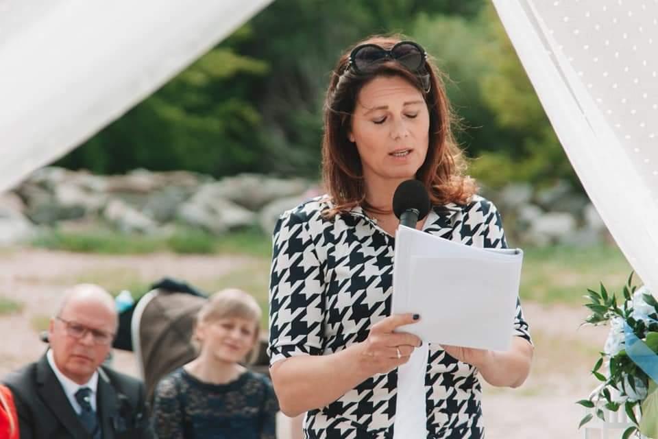 Traurednerin Hamburg Saskia im Team von Hochzeitsredner martinredet Freie Trauung Warnemünde