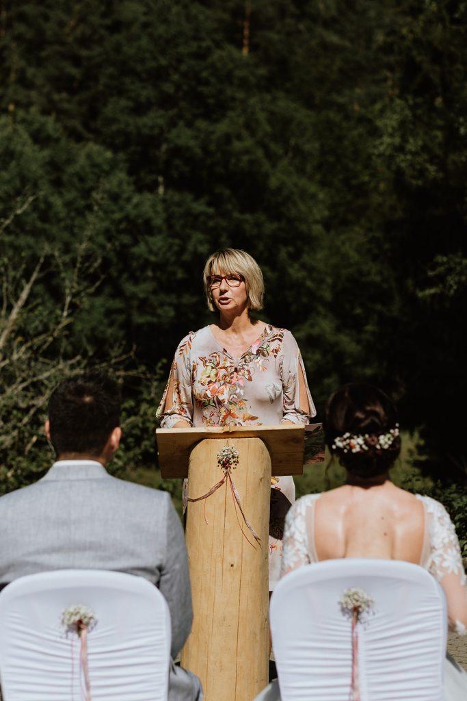 Traurednerin Köln Hochzeitsfotograf Köln arianefotografiert Martina aus dem Team von Hochzeitsredner martinredet NRW