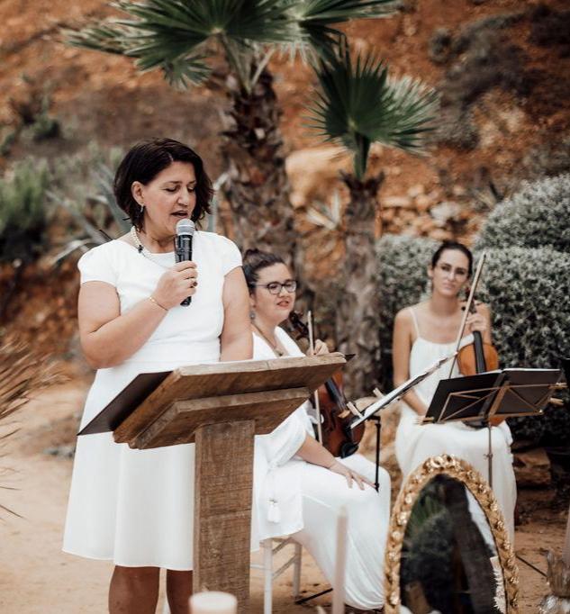 Deutsch persische Hochzeit Sofreh Aghd Traurednerin Silvia bei martinredet Hochzeitsredner Team Freie Trauung Hochzeit Novalanalove
