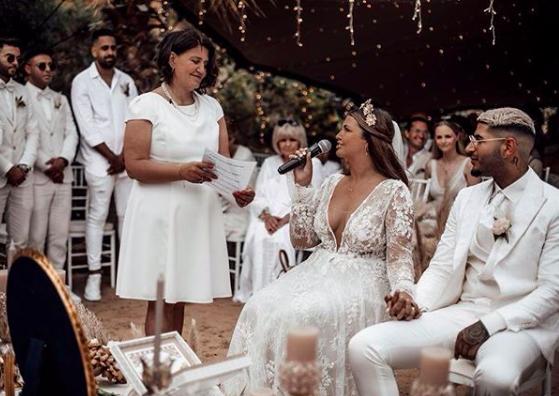 Deutsch persische Hochzeit Sofreh Aghd Traurednerin Silvia bei martinredet Hochzeitsredner Team Freie Trauung Novalanalove in Ibiza