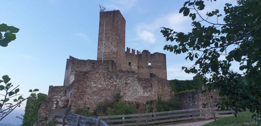 Trauredner Freie Trauung in Bayern und Südtirol Burg Hocheppan Christian im Team martinredet Ausbildung Hochzeitsredner 01