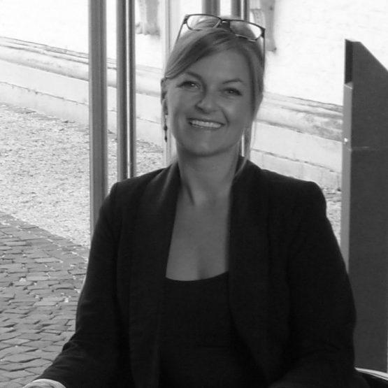 Traurednerin Bergheim Claudia im Team von Hochzeitsredner martinredet Experte Freie Trauung NRW