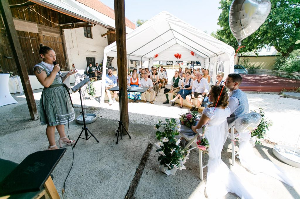Traurednerin Anne im Team von Hochzeitsredner martinredet Freie Trauung München