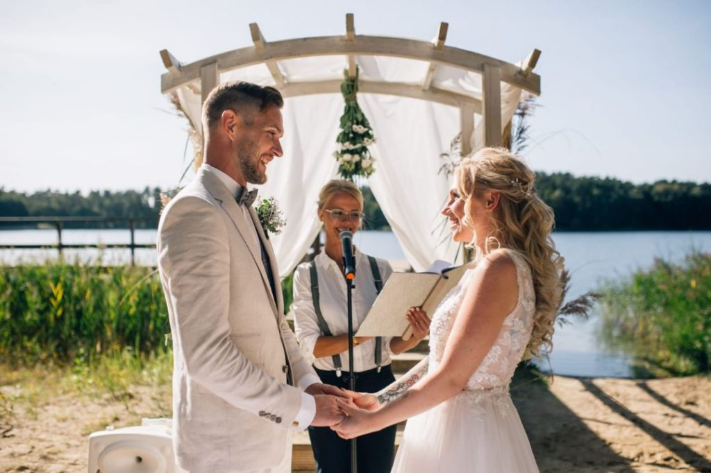 Traurednerin Rostock Diana im Team von martinredet Mecklenburg Vorpommern Freie Trauung Rügen Waren Müritz Hochzeit
