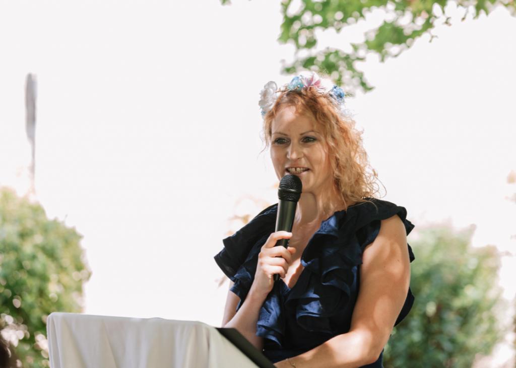 Traurednerin Felicitas bei Freier Redner martinredet Hochzeitsredner Ausbildung