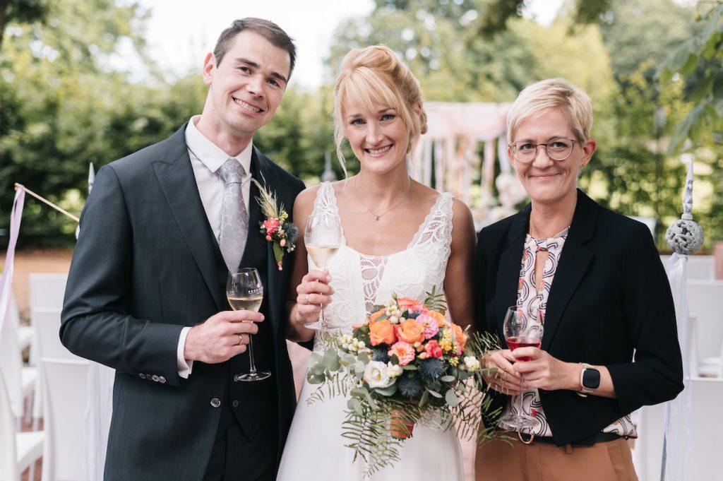 Hochzeitsrednerin Ausbildung NRW martinredet Freie Trauung Hochzeit Rednerin