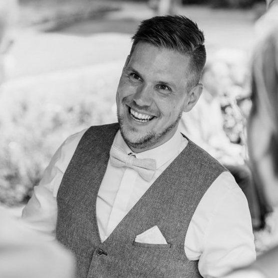 Trauredner werden Monheim Andi im Team von martinredet Freier Redner für Freie Trauung Hochzeitsredner Ausbildung Martin redet Kopie