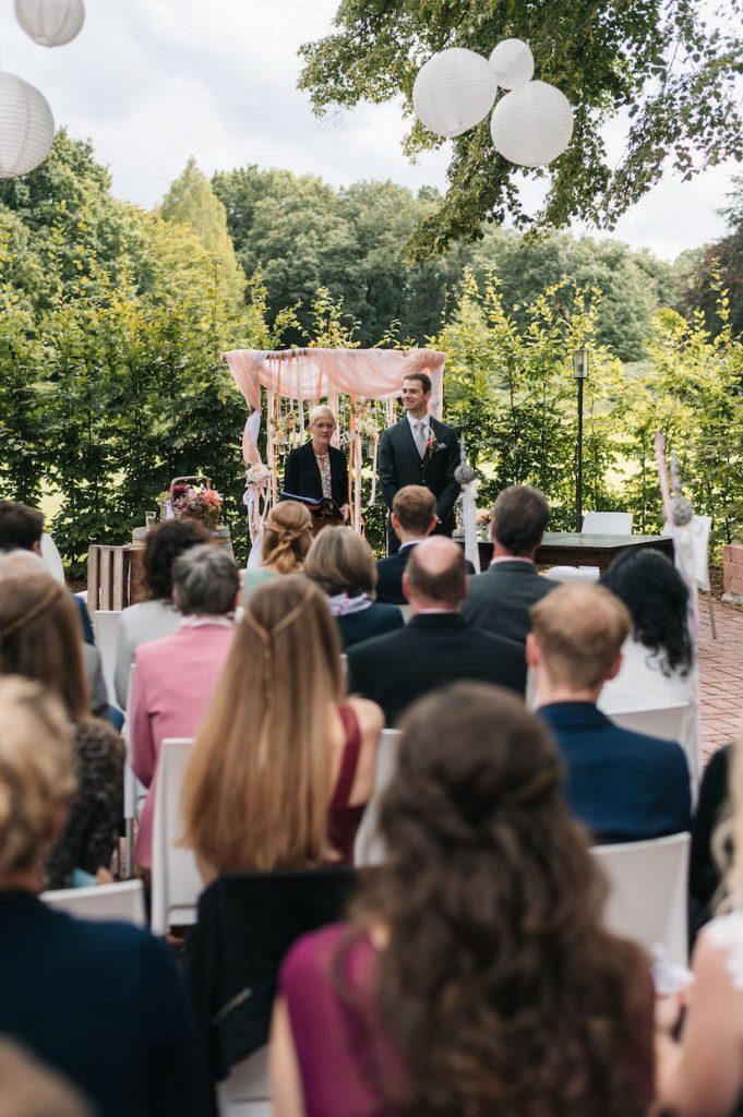 Traurednerin im Team von martinredet Freie Trauung Redner Hochzeit Köln NRW